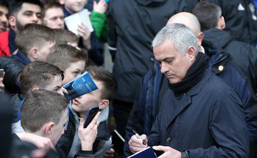 """MU tái ngộ Chelsea: Mourinho nguy cơ vỡ mộng """"ăn 3"""" - 2"""