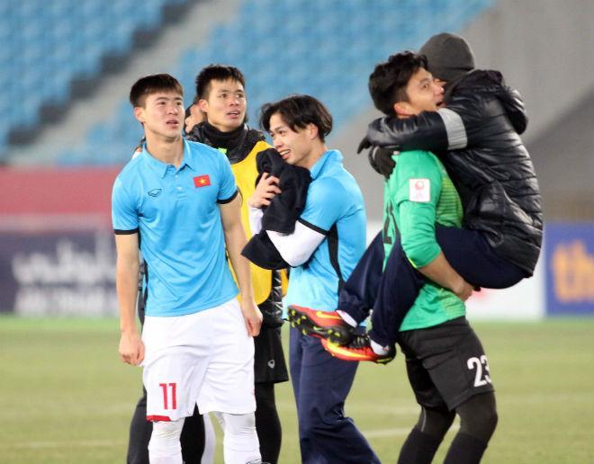 U23 Việt Nam thắng Qatar: Kiểm tra doping cầu thủ thứ 7 - 3