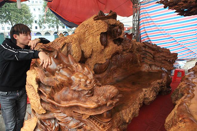 Chiêm ngưỡng bộ kỳ mộc Tứ linh quần tụ bằng gỗ nu nghìn năm tuổi giá 3,5 tỷ đồng - 8