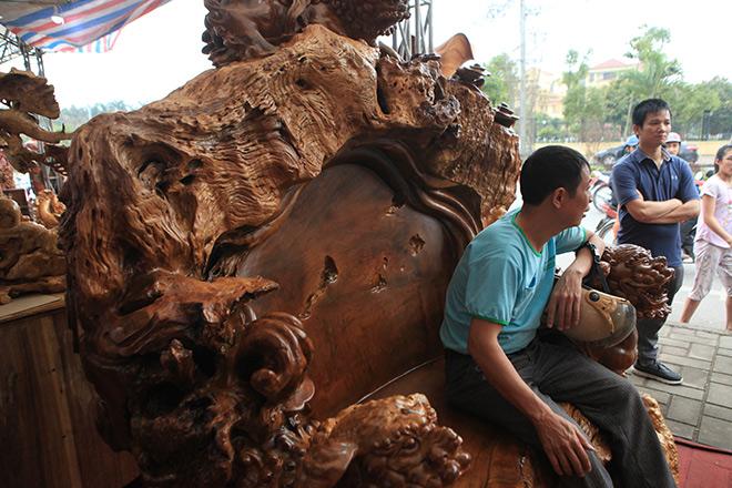 Chiêm ngưỡng bộ kỳ mộc Tứ linh quần tụ bằng gỗ nu nghìn năm tuổi giá 3,5 tỷ đồng - 4