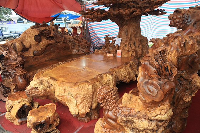 Chiêm ngưỡng bộ kỳ mộc Tứ linh quần tụ bằng gỗ nu nghìn năm tuổi giá 3,5 tỷ đồng - 7