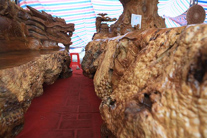 Chiêm ngưỡng bộ kỳ mộc Tứ linh quần tụ bằng gỗ nu nghìn năm tuổi giá 3,5 tỷ đồng - 12
