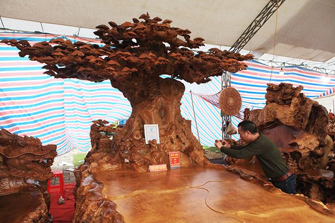 Chiêm ngưỡng bộ kỳ mộc Tứ linh quần tụ bằng gỗ nu nghìn năm tuổi giá 3,5 tỷ đồng - 13