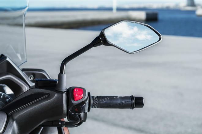 2018 Yamaha XMAX 250 sắp lên kệ, giá 130,8 triệu đồng - 9