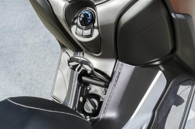 2018 Yamaha XMAX 250 sắp lên kệ, giá 130,8 triệu đồng - 4