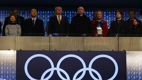 """Tổng thống Putin lần đầu hé lộ """"câu chuyện nhạy cảm"""" tại Thế vận hội Sochi - 1"""