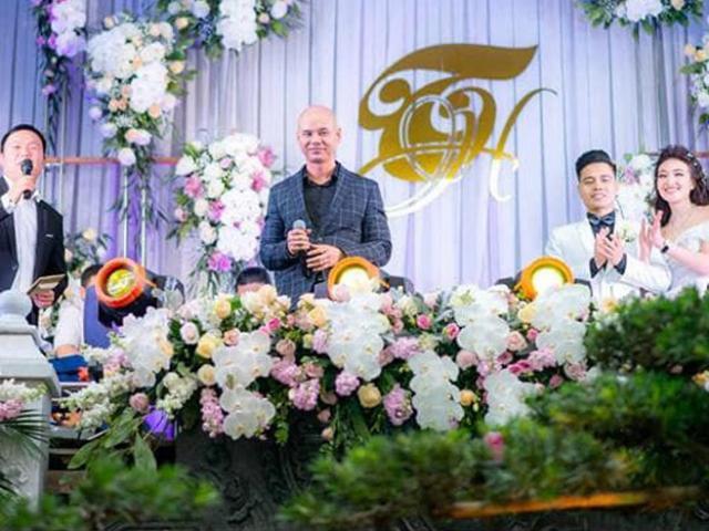 """24h HOT: Nam ca sĩ hai lần hát trong đám cưới """"khủng"""" 100 cây vàng ở Nam Định là ai?"""