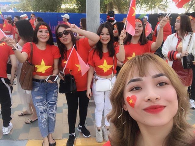 """Cộng đồng mạng """"dậy sóng"""" chờ tin vui của tuyển Việt Nam từ UAE"""