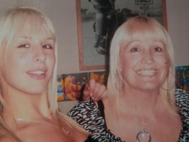 Mẹ U60 dùng hộ chiếu của con gái kém 28 tuổi đi du lịch nước ngoài và kết quả không ngờ