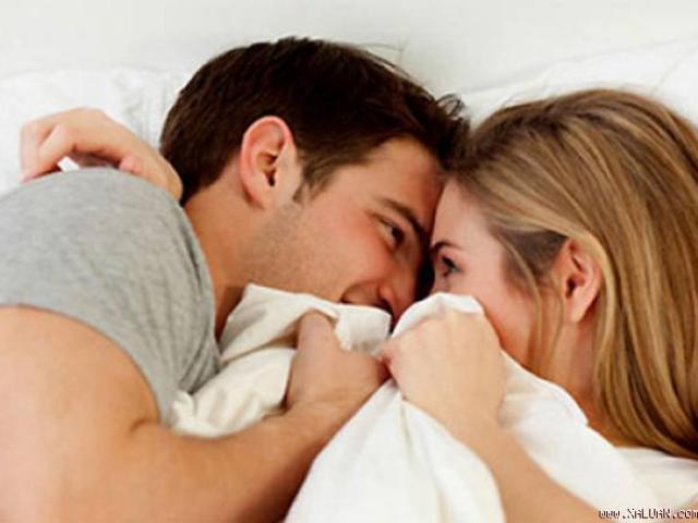 6 bí quyết vàng giúp các cặp vợ chồng háo hức với chuyện ấy