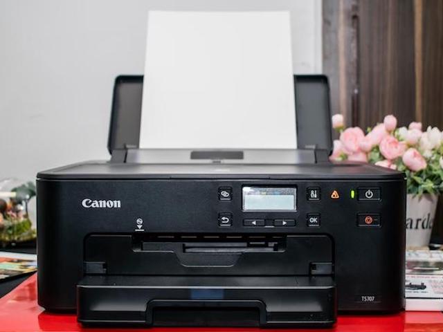 """Canon công bố máy in """"2 trong 1"""" mới: Có thể in ảnh, tài liệu từ... nửa vòng trái đất"""