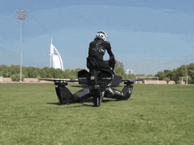 Cảnh sát Dubai có mô tô bay đầu tiên trên thế giới