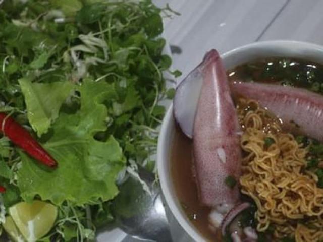 Chắt chắt và mực Cửa Việt, chưa ăn là thiệt
