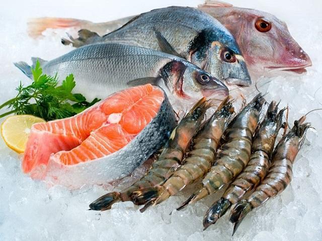 Muốn rã đông cá nhanh, không tanh, không nát hãy áp dụng 1 trong 3 bí quyết này
