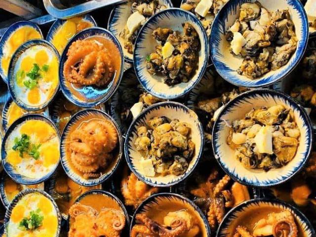 """Du lịch Phú Quốc: Ẩm thực """"chén"""" đặc trưng chỉ có ở chợ đêm"""
