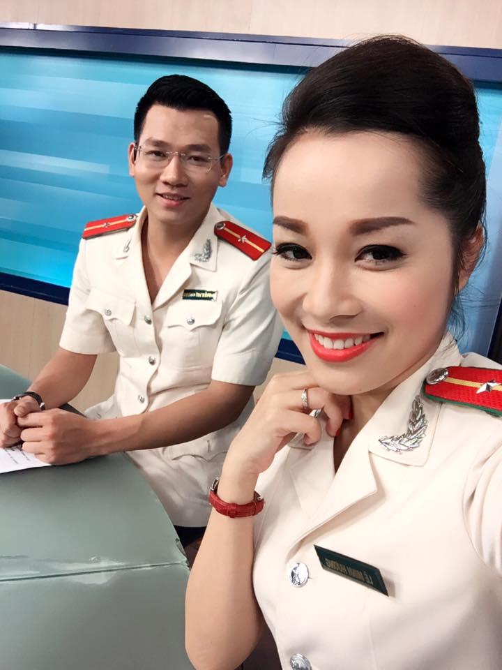 """""""Vàng Anh"""" Minh Hương khoe eo thon, dáng chuẩn nuột từng cm - 9"""