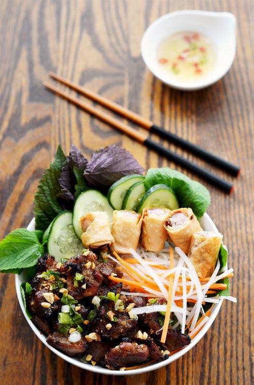 Mách bạn cách làm bún thịt nướng cho ngày chán ăn cơm - 4