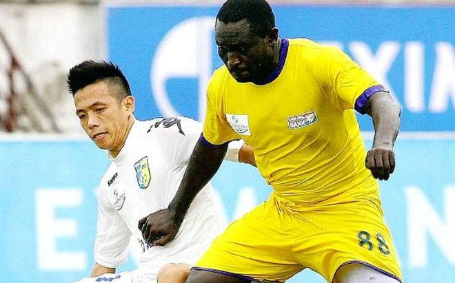 Cựu tiền đạo nhập tịch đá V-League bị bắt - 2
