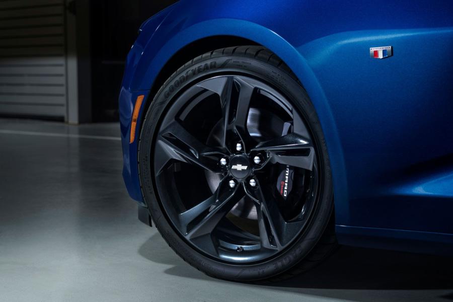 Chevrolet tung Camaro 2019: Mạnh mẽ và sắc sảo - 4