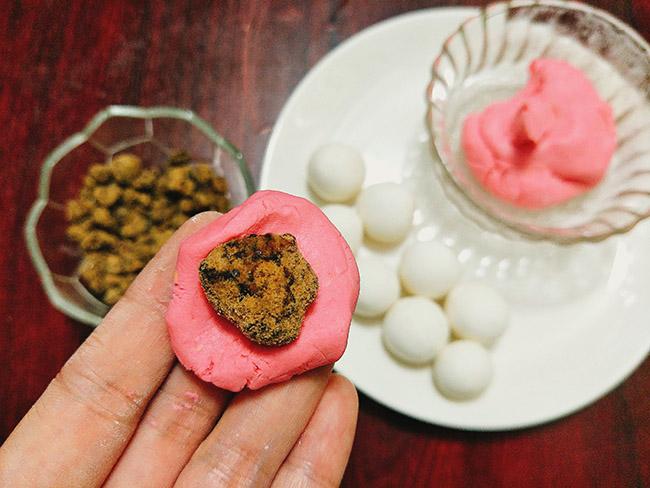 Bánh trôi ngũ sắc vừa đẹp vừa ngon cho tết Hàn thực bớt đơn điệu - 5