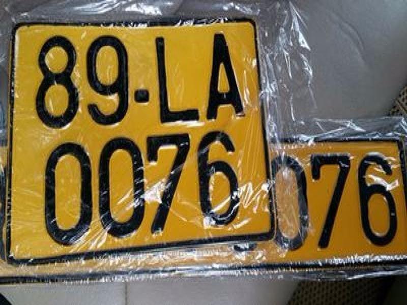Đề xuất chuyển biển số xe ô tô từ trắng sang vàng - 1