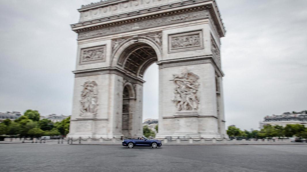 Ford Mustang là chiếc xe thể thao bán chạy nhất thế giới 2017 - 2