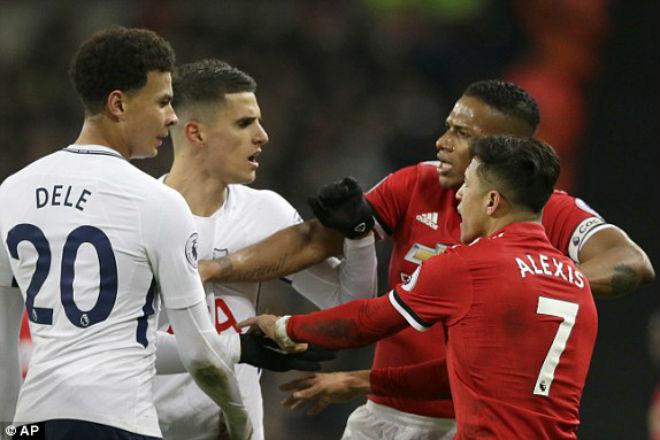 Ngoại hạng Anh trước vòng 35: MU dồn sức FA Cup, Man City nhận ngai vàng - 1