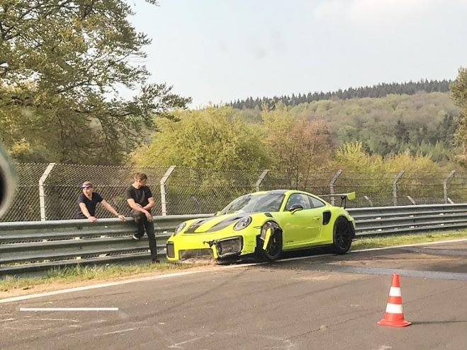 """Porsche GT2 RS gặp tai nạn tại """"Địa Ngục Xanh"""" Nurburgring - 4"""