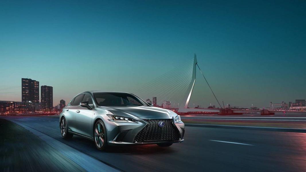 Ra mắt Lexus ES 2019: Đối thủ của E-Class và BMW 5-Series - 1