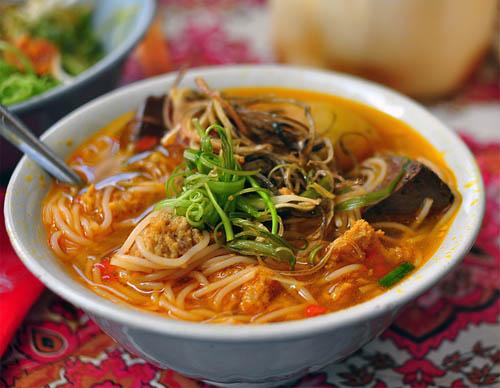 5 món ăn đường phố khi lang thang phố núi Ban Mê dịp nghỉ lễ 30.4 - 1