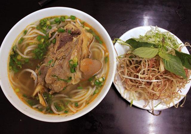 5 món ăn đường phố khi lang thang phố núi Ban Mê dịp nghỉ lễ 30.4 - 2
