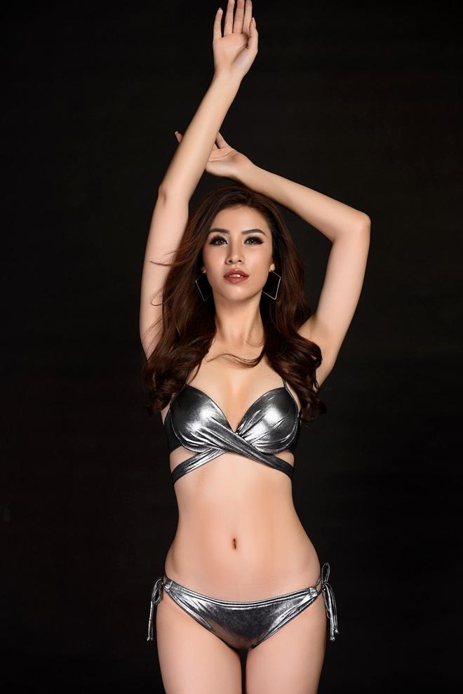 Á hậu 1 Hoa hậu Biển ngồi xổm mỗi ngày 100 cái để có thân hình đẹp