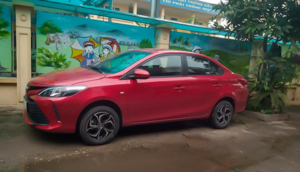 Toyota Vios mới bất ngờ xuất hiện trên đường phố tại Việt Nam - 2