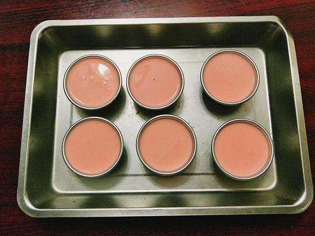 Bánh flan dâu tây mềm mịn ngọt ngào mà cách làm không hề khó - 8