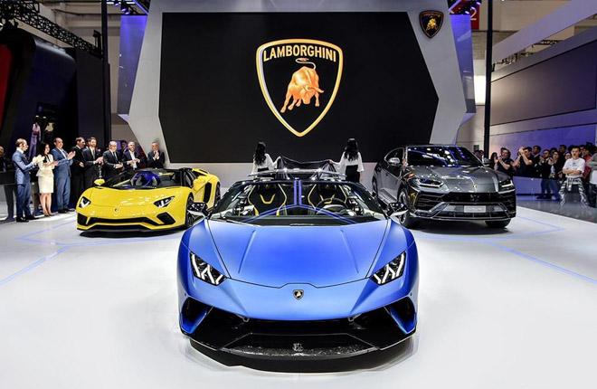 Lamborghini Huracan bản mui trần ra mắt, giá gần 7 tỷ đồng - 1