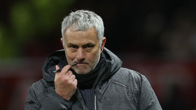 """MU - Mourinho chơi ngông: Săn Salah 200 triệu bảng và 2 """"bom tấn"""" - 1"""