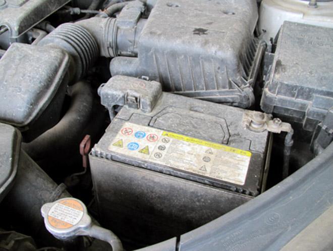 4 dấu hiệu chứng tỏ xe của bạn đã đến lúc phải thay bình ắc quy - 3