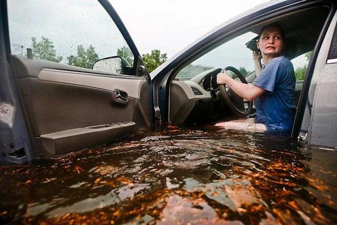 10 Lưu ý khi lái xe ôtô trong mùa mưa bão để tránh gây hư hại xe - 4