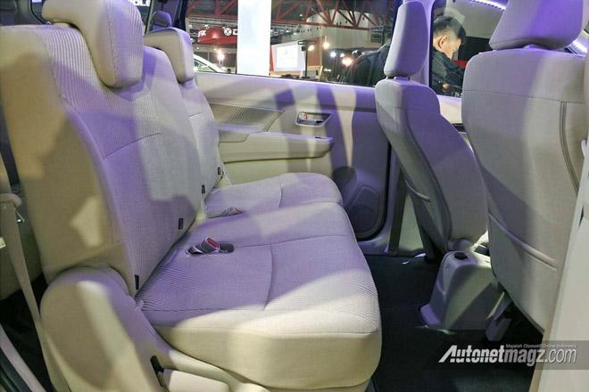MPV 7 chỗ Suzuki Ertiga chốt giá từ 310 triệu đồng: Quyết đấu Innova - 4