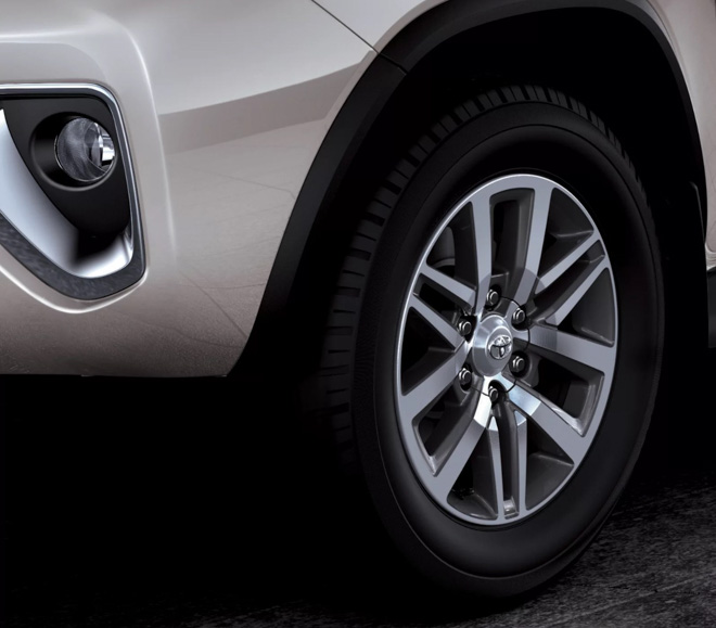 Toyota Fortuner phiên bản Trung Đông có gì khác so với Việt Nam? - 3