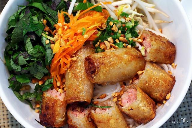 Top 10 món ăn vặt hot nhất Sài Gòn hè này chắc chắn phải thử một lần - 1