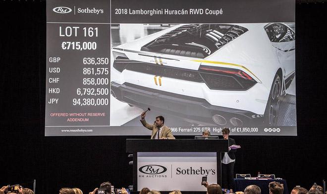 Lamborghini Huracan của Giáo hoàng được bán với mức giá kỷ lục - 1