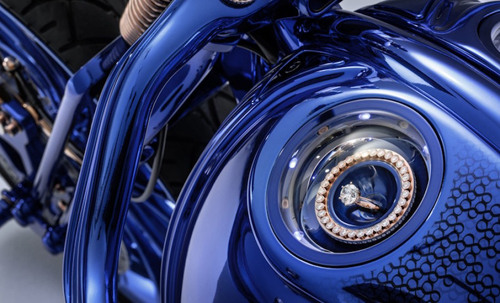Chiếc Harley Davidson Softail Slim Blue Edition giá 43 tỷ đồng có gì đặc biệt? - 2