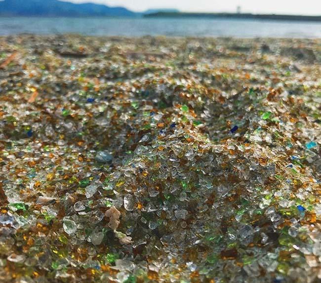 Bãi biển vô danh ở Nhật trở nên nổi tiếng vì sử dụng nguyên liệu tái chế - 4