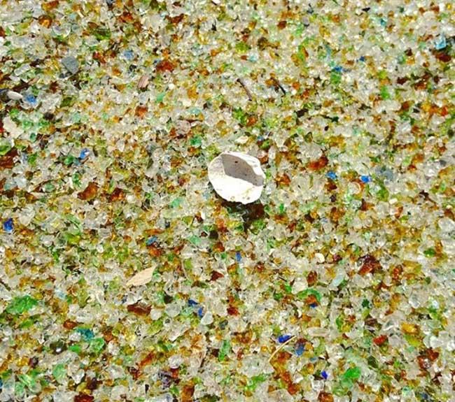Bãi biển vô danh ở Nhật trở nên nổi tiếng vì sử dụng nguyên liệu tái chế - 7
