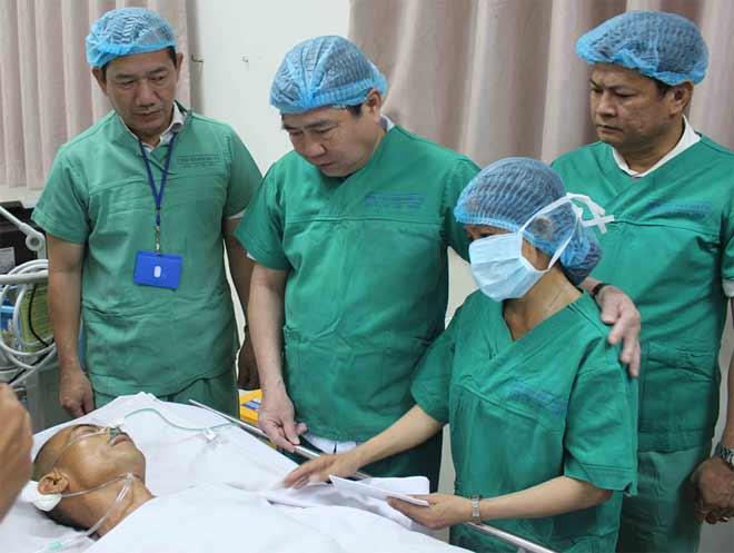"""Nóng 24h qua: Người Sài Gòn bàng hoàng vụ 2 """"hiệp sĩ"""" bị trộm đâm tử vong - 1"""
