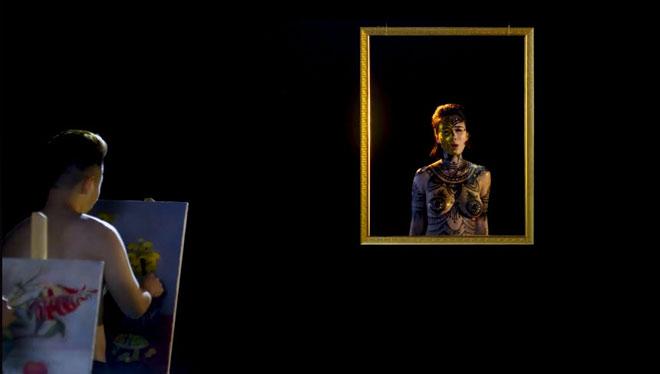 Bộ đồ vẽ cơ thể của hot girl Linh Miu trong MV mới có thực sự phản cảm? - 2