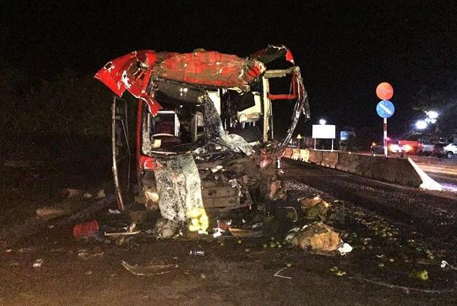 Truy nguồn gốc xe khách gây tai nạn làm 12 người thương tích - 1