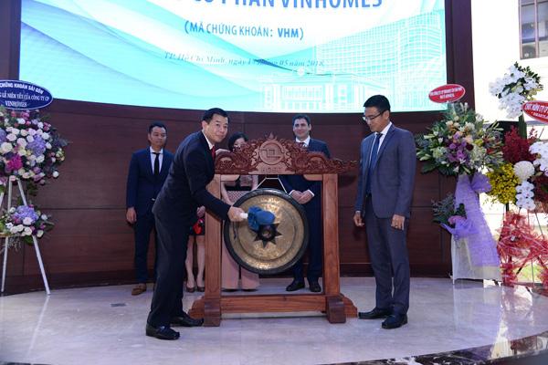 Vinhomes chính thức niêm yết 2,68 tỷ cổ phiếu - mã VHM - 1