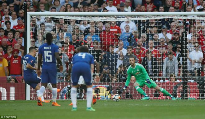 Chelsea hạ MU vô địch FA Cup: Tân vương vỡ òa, Conte ôm Mourinho ăn mừng - 2